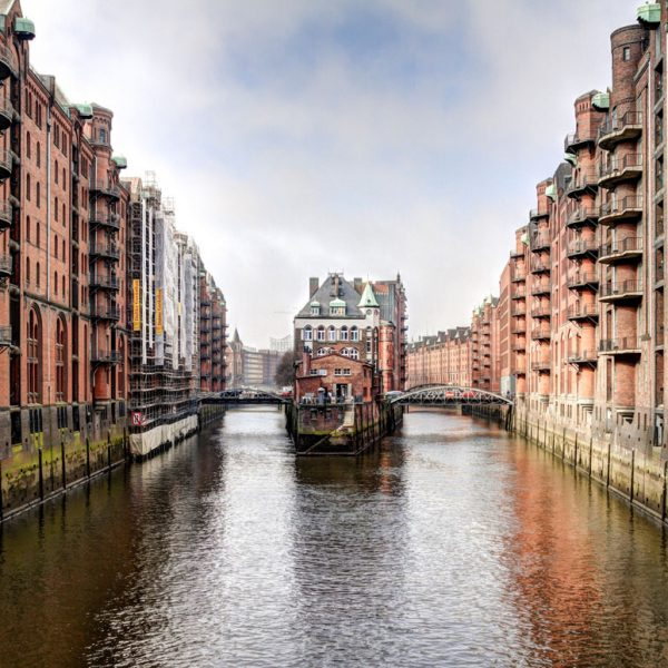 Hamburg nun in der Welcome App Germany